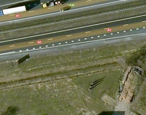 De struikreclame van McDonald's langs de A1 bij Holten, zoals te zien op Google Maps