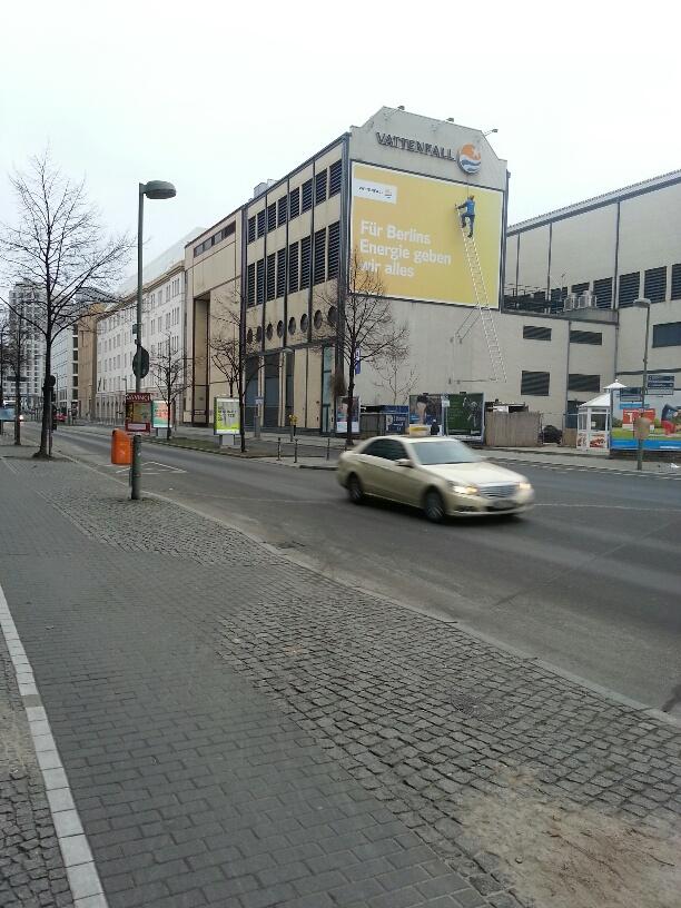 Berlijn man trap muur Vattenfall