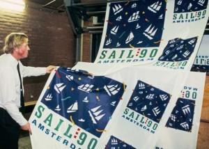 Vlaggen met logo SAIL 1990
