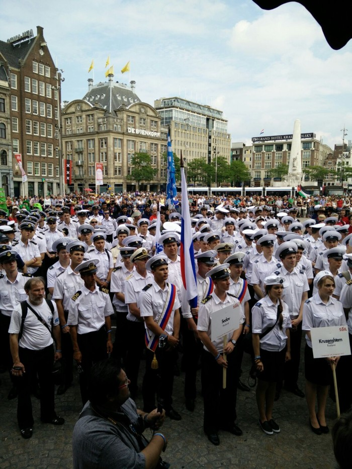 Crewparade, Sedov en Kruzenshtern op de Dam