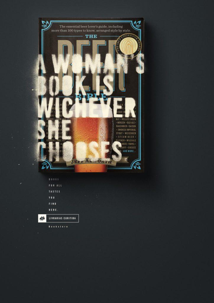 Livrarias Curitiba woman's book 1