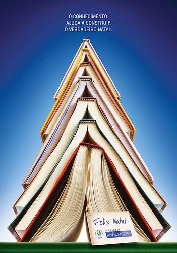 Kerstboom van boeken Navidad juvencio terra