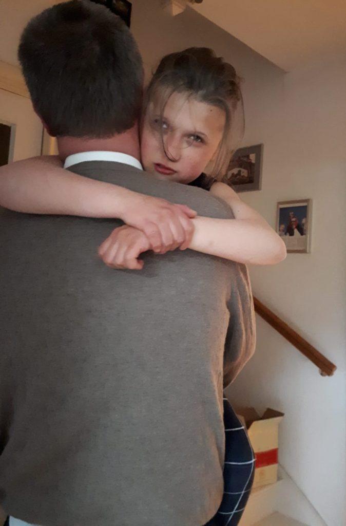 Anna Sophie, knuffel en tillen