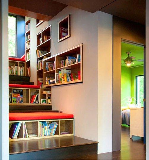 Boekentrap: Allemaal boekenkasten in en bij de trap