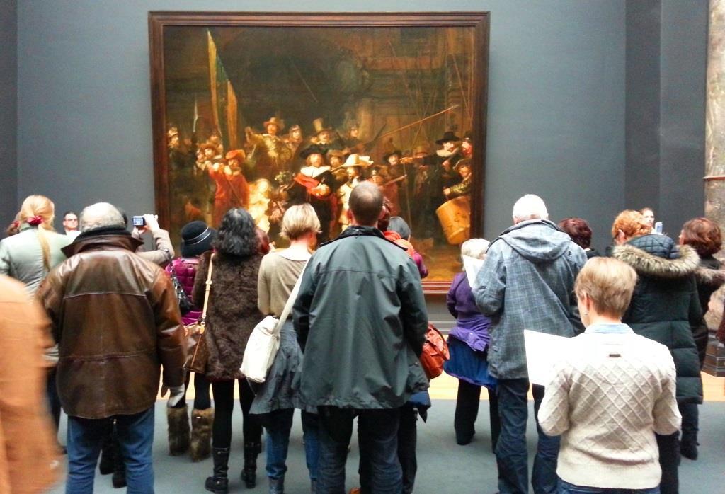De Nachtwacht trekt veel bekijks, Rijksmuseum
