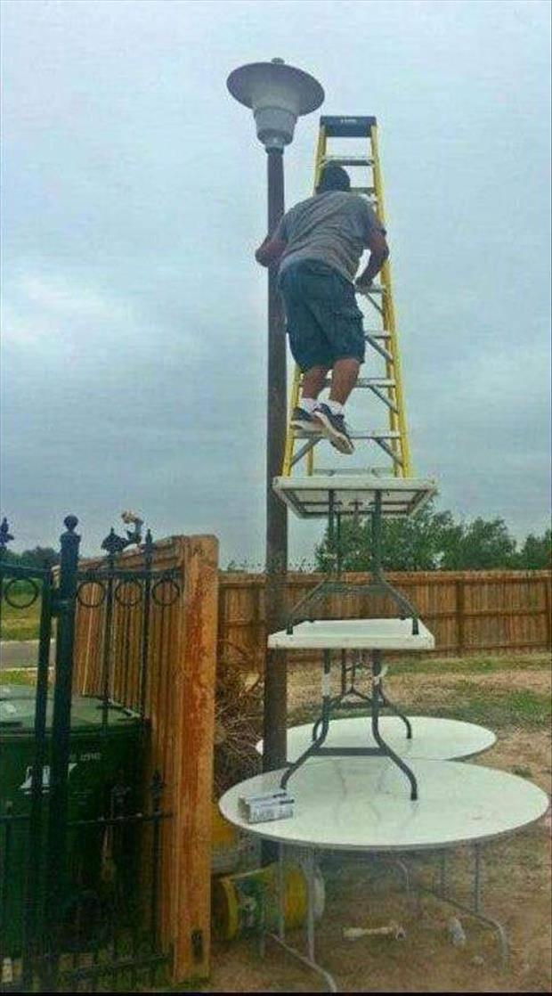 De ladder op de tafel op de tafel op de tafel