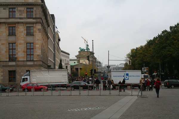 De muur Berlijn bij de Reichstag