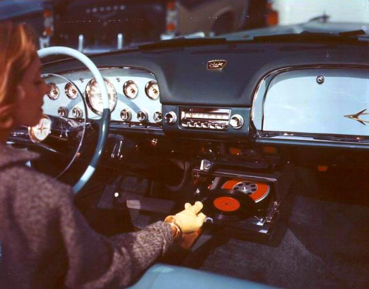 platenspeler in auto