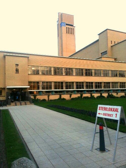 Raadhuis,  stemmen, gemeenteraadsverkiezing,  2014, stemdistrict 1