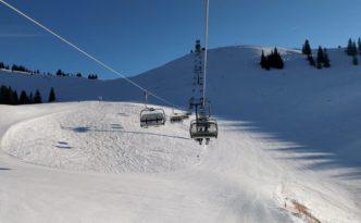 Skiën in Oostenrijk vanuit de lift gezien