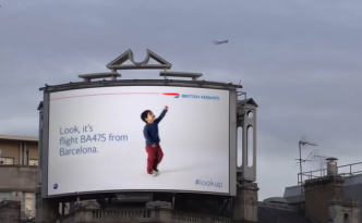 British Airways lookup in Piccadilly Circus interactief billboard