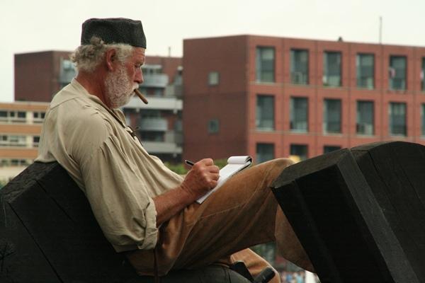 Schrijver op de boot tijdens Sail 2010